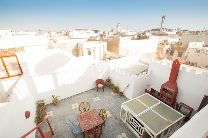 Haut de riad plein centre de medina - Essaouira - Stadswoning