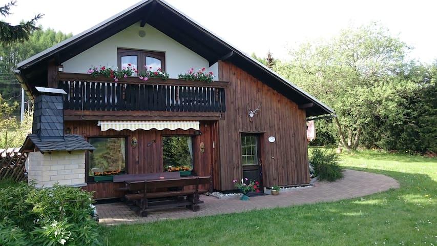 """Sonniges, idyllisches Ferienhaus """"Panoramablick"""" - Piesau - Huis"""