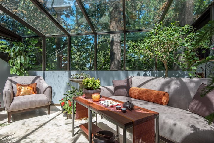 Stunning Treetop Private King Suite - Portland - Ev
