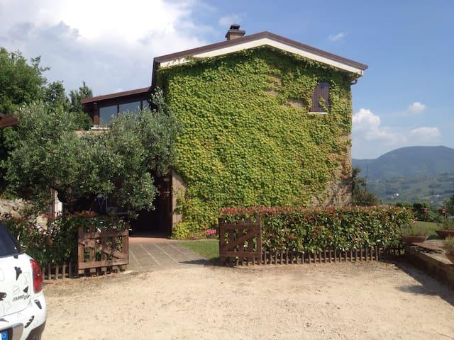Fantastica villa immersa nel verde - Sant'Agata Dé Goti