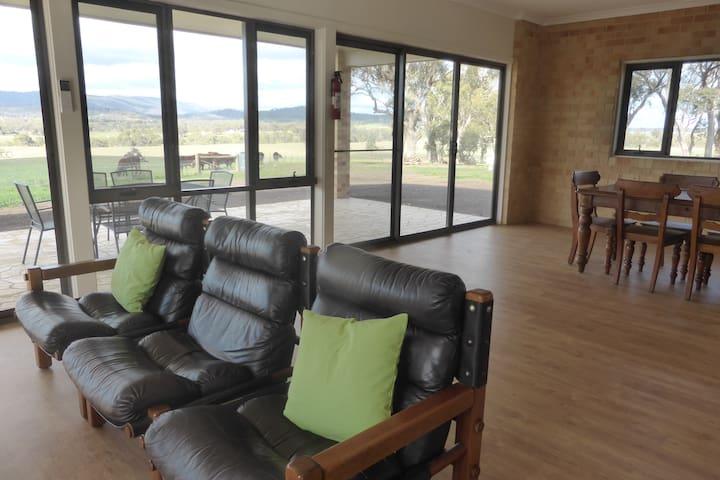 Sunnyvale Farmhouse Self-contained - Tallarook