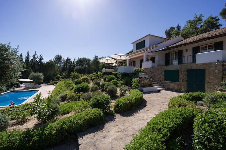 Villa in the Natural Arrábida Park - São Lourenço (Vila Nogueira de Azeitão) - Vila