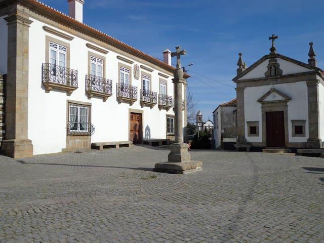 Solar Casa Grande de Poiares - Poiares Peso da Régua - Bed & Breakfast