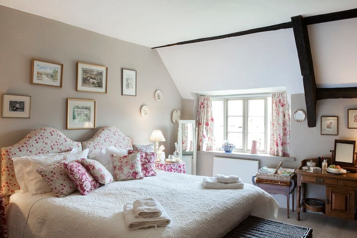 Brook Farmhouse - Exeter - Bed & Breakfast