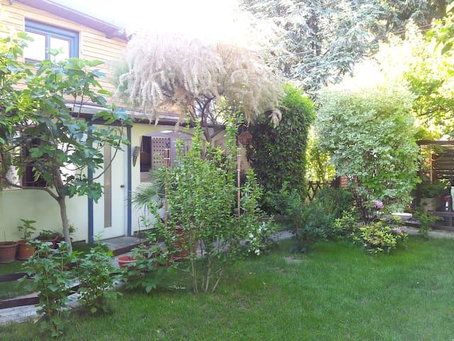 Quiet & Sunny Familyhouse (2bdr) - Vienna - Rumah