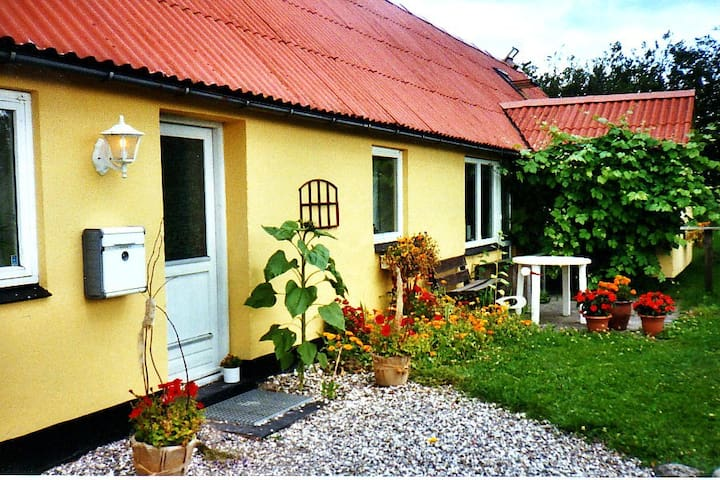 Room in a charming country house - Skørping