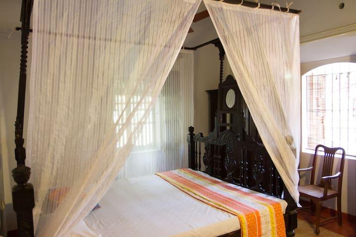 Heritage/Poster Room just off Main Road - Goa del norte - Bed & Breakfast