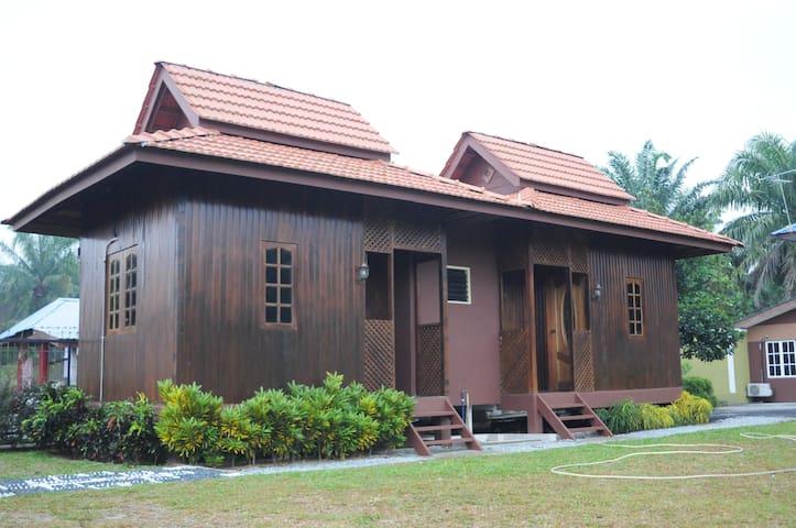 Homestay Al-Hanah - Bestari Jaya - Maison