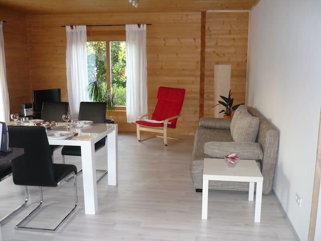Apartment Limburg im Holzblockhaus - Holzmaden - Leilighet