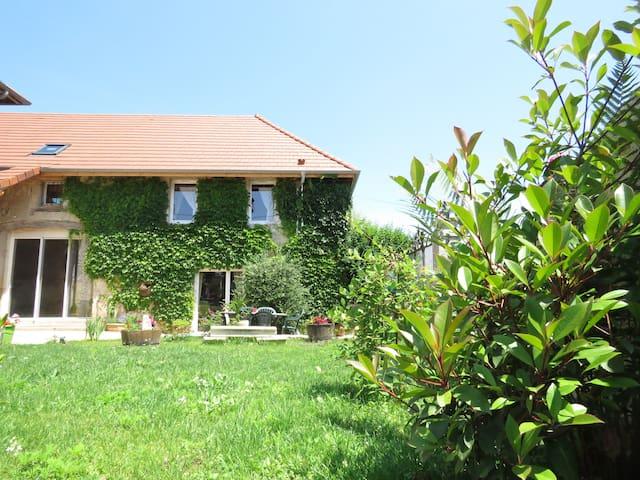 Gite  4/6 pers les granges de Fay - Peyrieu - Casa