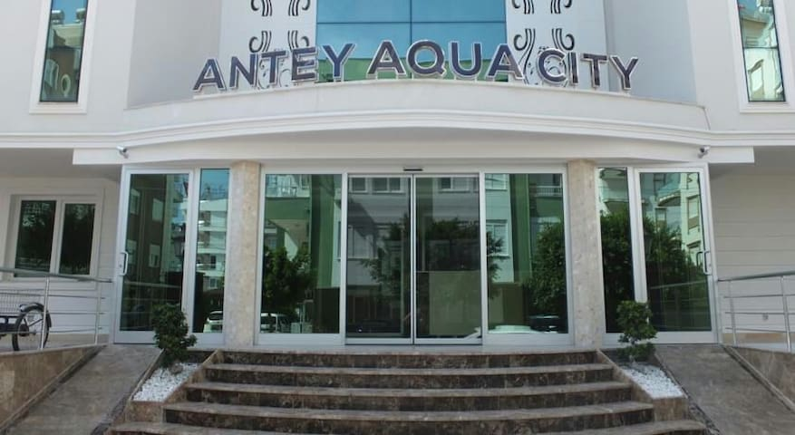Cozy apt 1+1 with big pool Antalya - Konyaaltı  - Lägenhet