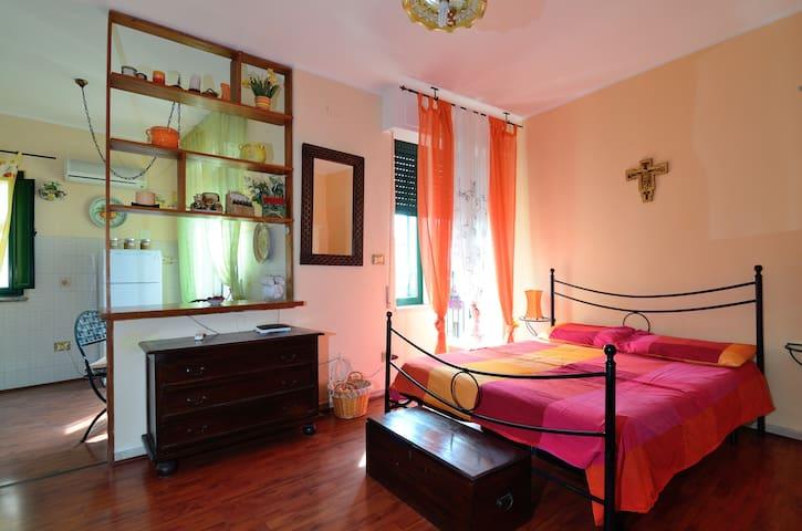Orange House-inner city of Taormina - Taormina
