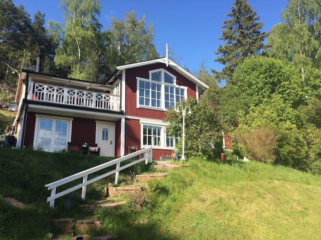 Country house close to lake Mälaren - Ekerö - Casa