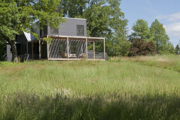Country house with swim pond near Pine Plains - Pine Plains