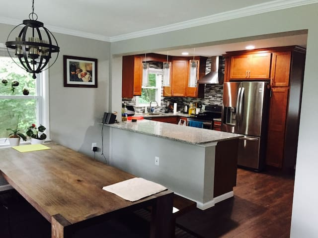 Escape to the woods,15min from D.C. - Lorton - Casa
