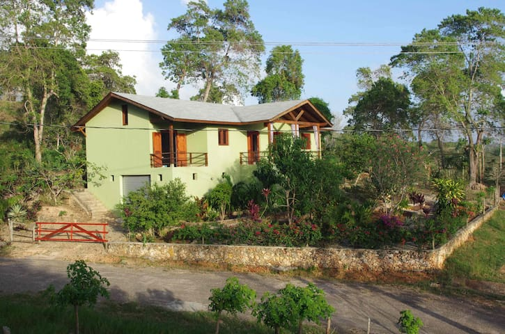 2 bedroom home with garden and view - Río San Juan - House