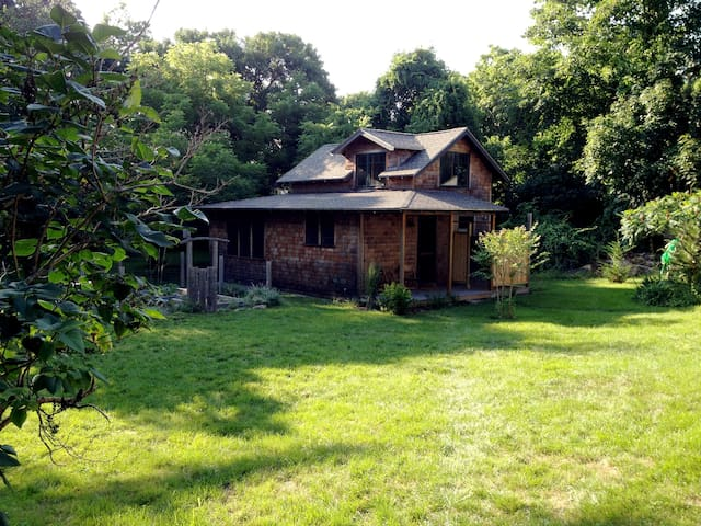 Charming Private Guesthouse - Oak Bluffs