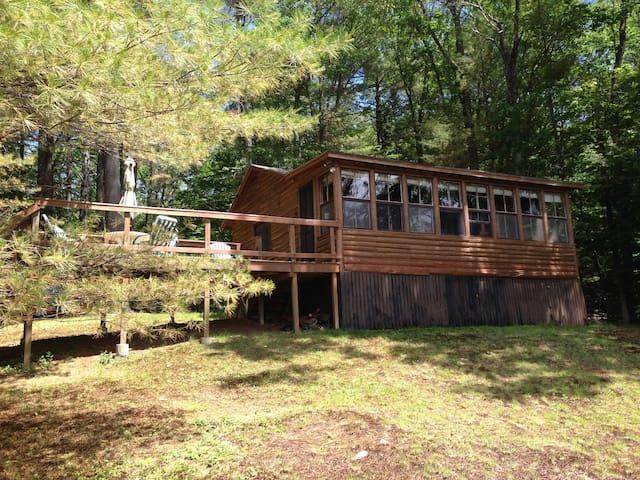 Chesham Pond - Summer Rental  - Harrisville - Stuga