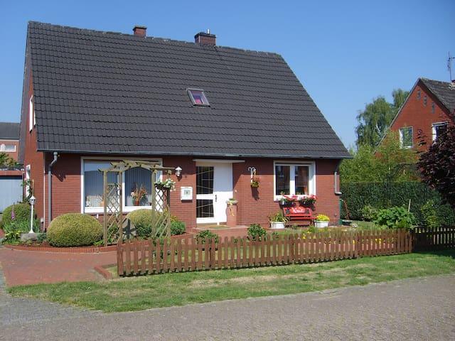 Haus Helena, B&B =Dreibettzimmer=  - Börger - Oda + Kahvaltı