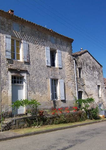 Maison de Sivry, Aquitaine - Sauveterre-de-Guyenne - Huis