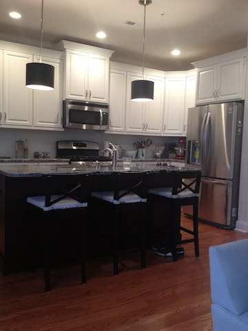 Beautiful new townhouse!! - Plymouth Meeting