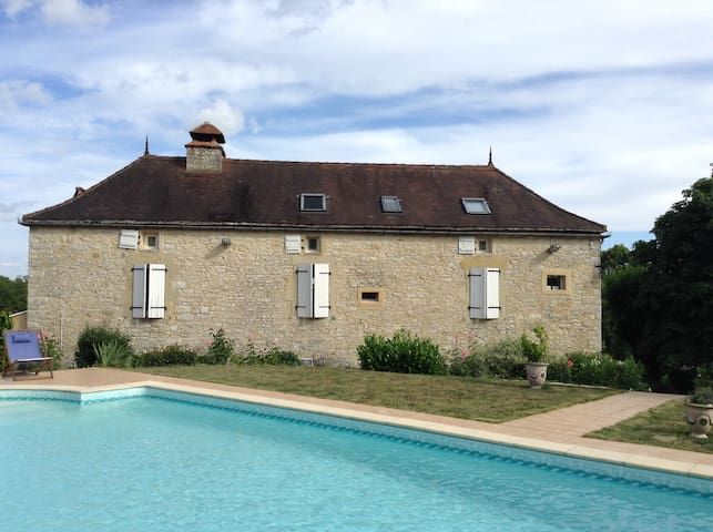 Ermitage saint Jacques - Gindou - Bed & Breakfast