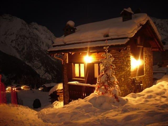 "Baita Chalet  in Valtellina  ""Beata Solitudo"" - Barchi - Cabaña"