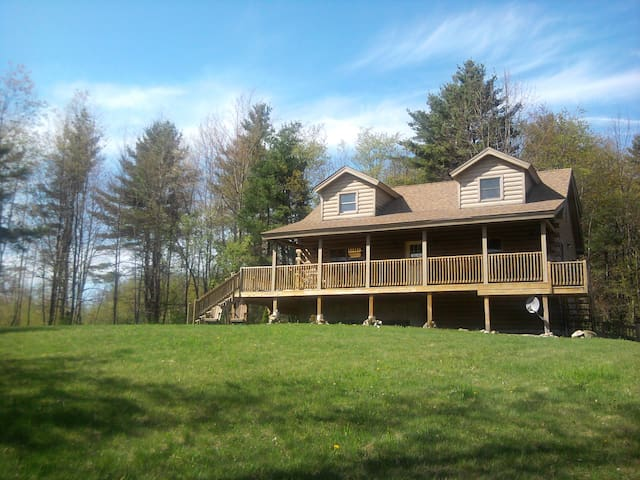 Private Cabin in White Mountains - N. Haverhill - Zomerhuis/Cottage