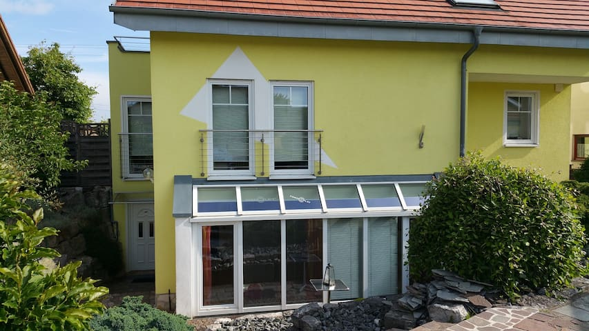 ELW sunny, terrace, up to 9 sleeping places. - Obergröningen - Departamento