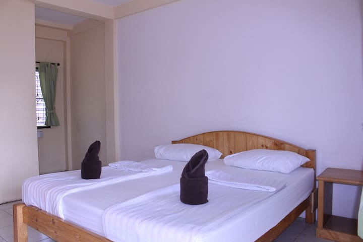 Jungala House - Double bed & fan, spacious garden - Chiang Mai - Bed & Breakfast