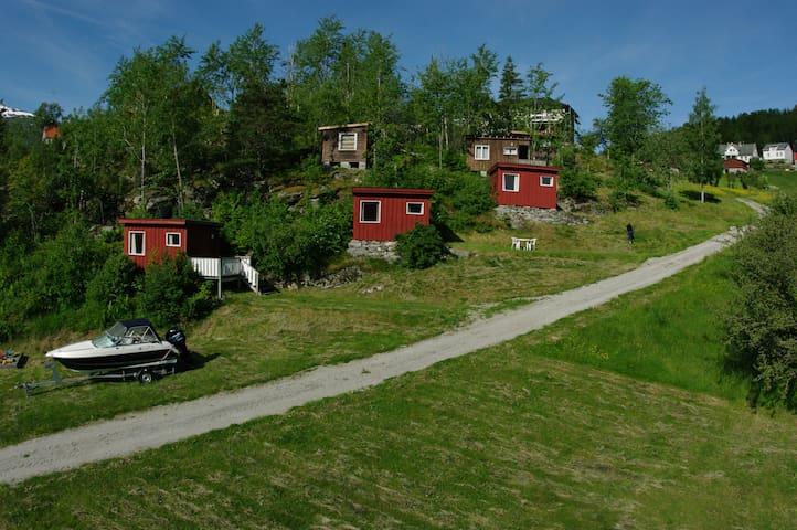 Cabin by the Lustrafjord (Nr 4) - Høyheimsvik - Бунгало