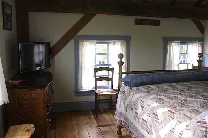 Stone Oak Tree Farm Blue Spruce Rm. - Slate Hill - Bed & Breakfast