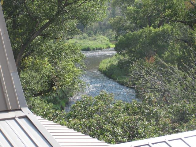A river almost runs through it... - Basalt - Departamento