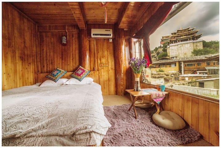 Tibetan Woody Double Room with View - 香格里拉 - Casa de campo