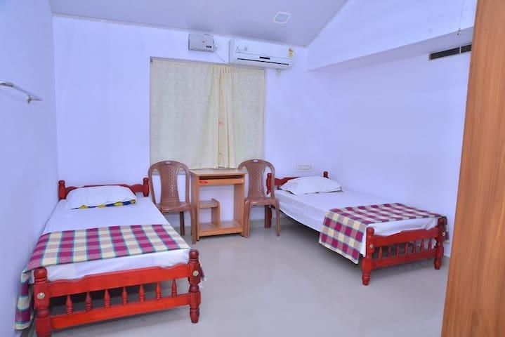 Homestay at Kerala - Chalakudy - Thrissur - Bungalow