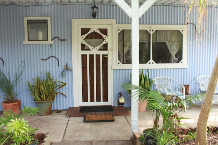 Hideaway Cottage secluded by trees - Barragup - Bungalow