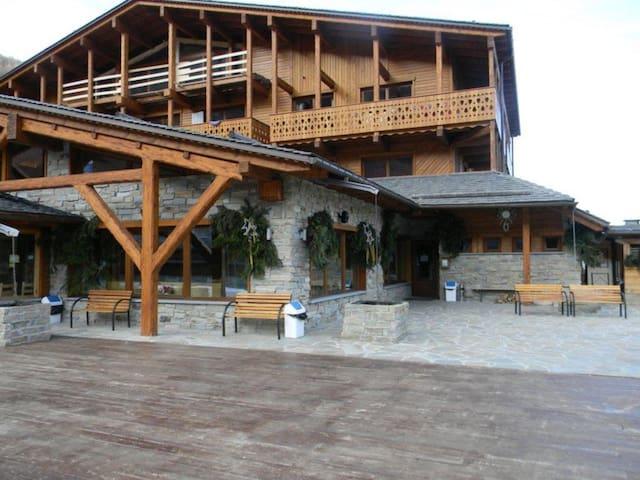 A romantic wooden box - limone piemonte - Cabaña