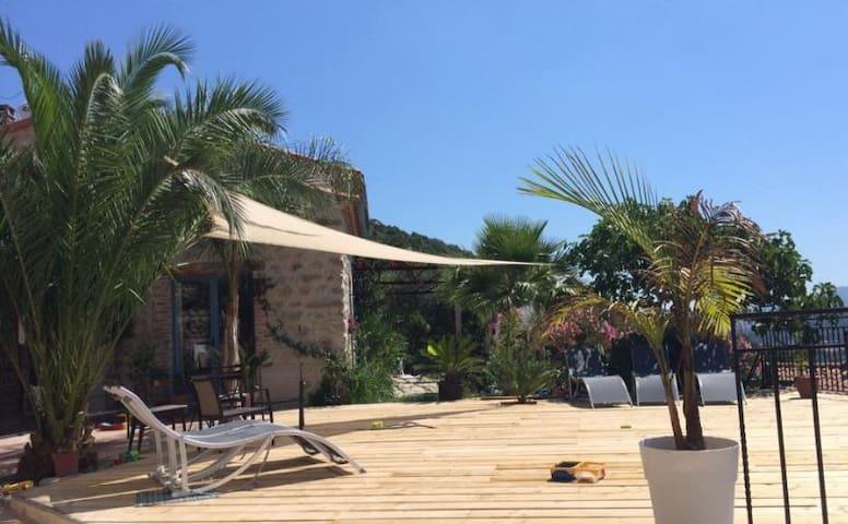 La Palma, chambre de charme à Eus - Eus - 家庭式旅館