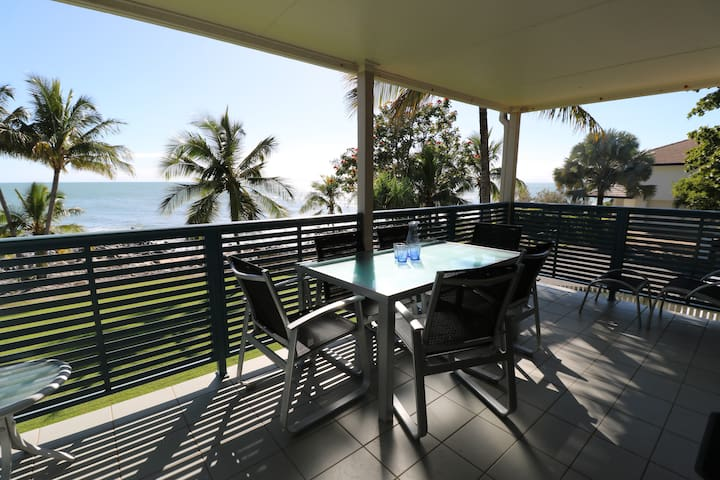 Iluka Apartment on the beach - Dolphin Heads - Appartement