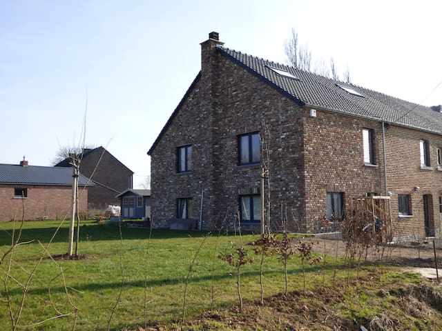 Nice Family house in a Natural Park - Héron - Huis