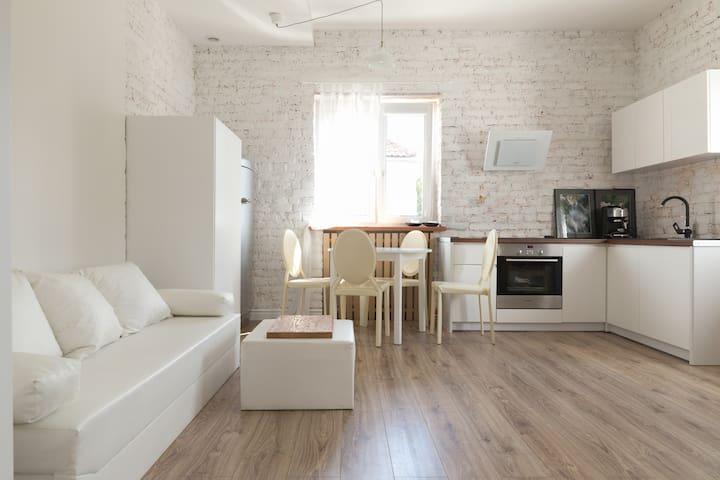 Apartament na Mariensztacie - Varşova - Daire