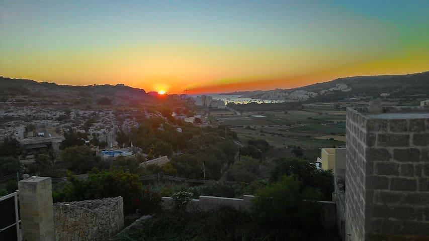 Amazing country/sea view retreat. - malta Europe - Rumah