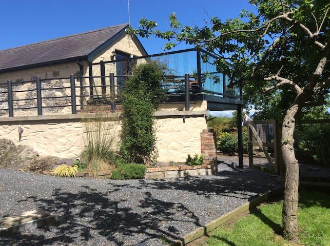 Orchard Cottage unique barn - Bangor - Rumah