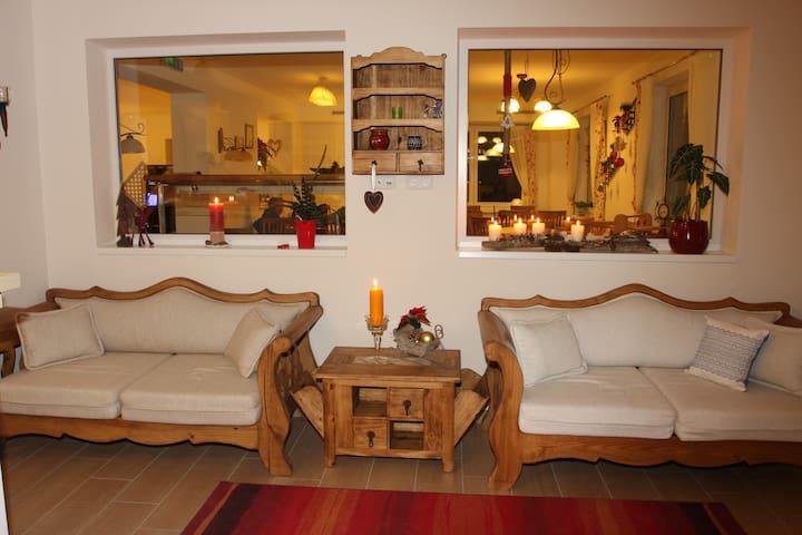 Hotel Pension Alta Vista - Neukirchen am Großvenediger - Bed & Breakfast