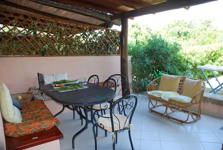 Casa del paradiso - Baja Sardinia - Hus