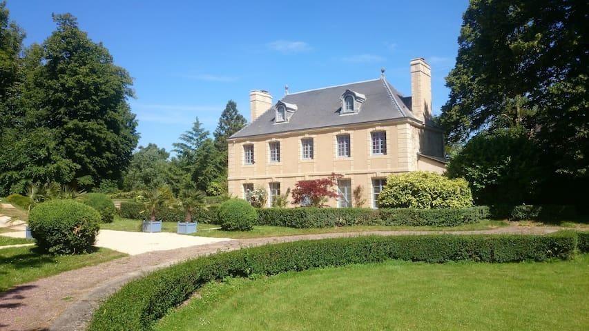 Villers-Bocage - Casa