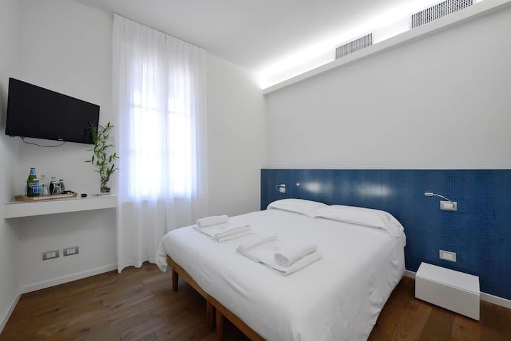 B&B LA CORTES SUL NAVIGLIO FIERA MILANO - Boffalora Sopra Ticino - Bed & Breakfast
