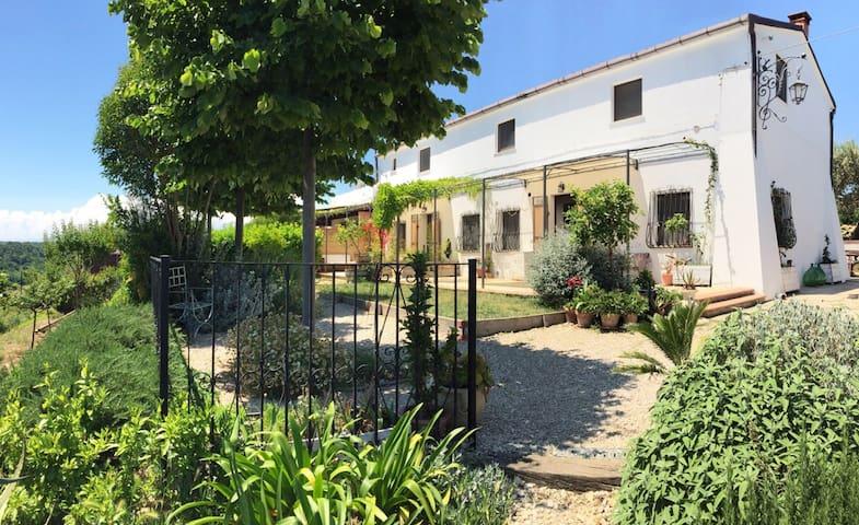AGRADO Country House e B&B 2 - Rocca San Giovanni - Appartement
