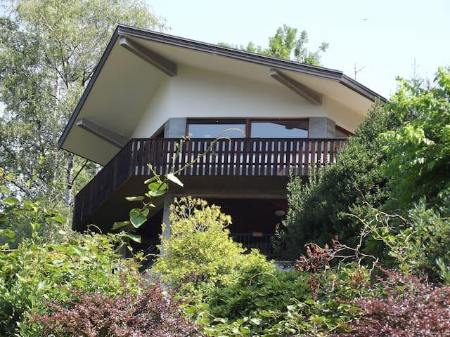 Luxury Villa with Garden - Pettenasco - Villa