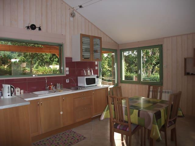 Petite maison bois mitoyenne - La Baume-d'Hostun - 獨棟